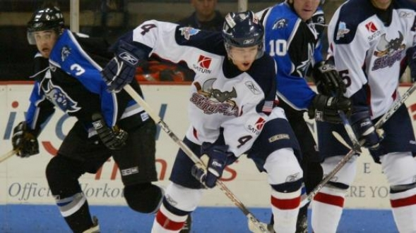 576420e95 Major plus  Why minor league hockey is great night of entertainment